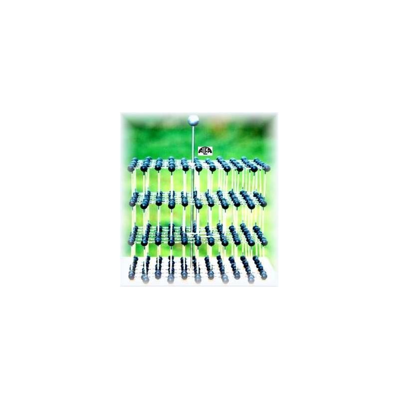 Model sieci grafitu z zaznaczoną komórką elementarną