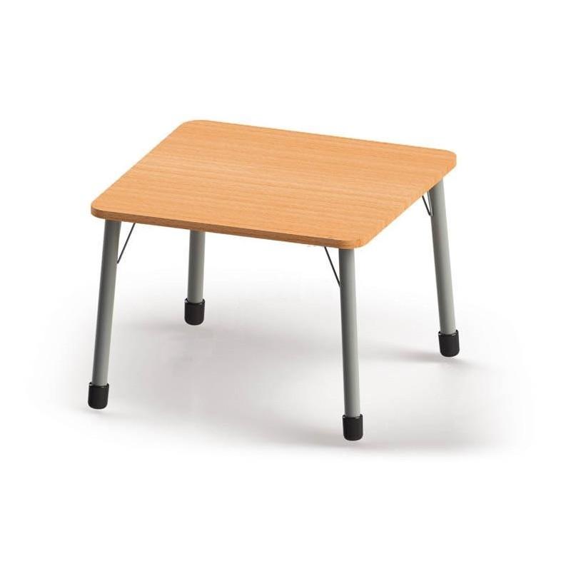 Stół kwadratowy (820x820) z metalowymi nogami. ROZMIAR 6